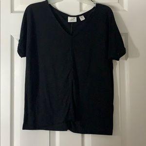 Black loose shirt